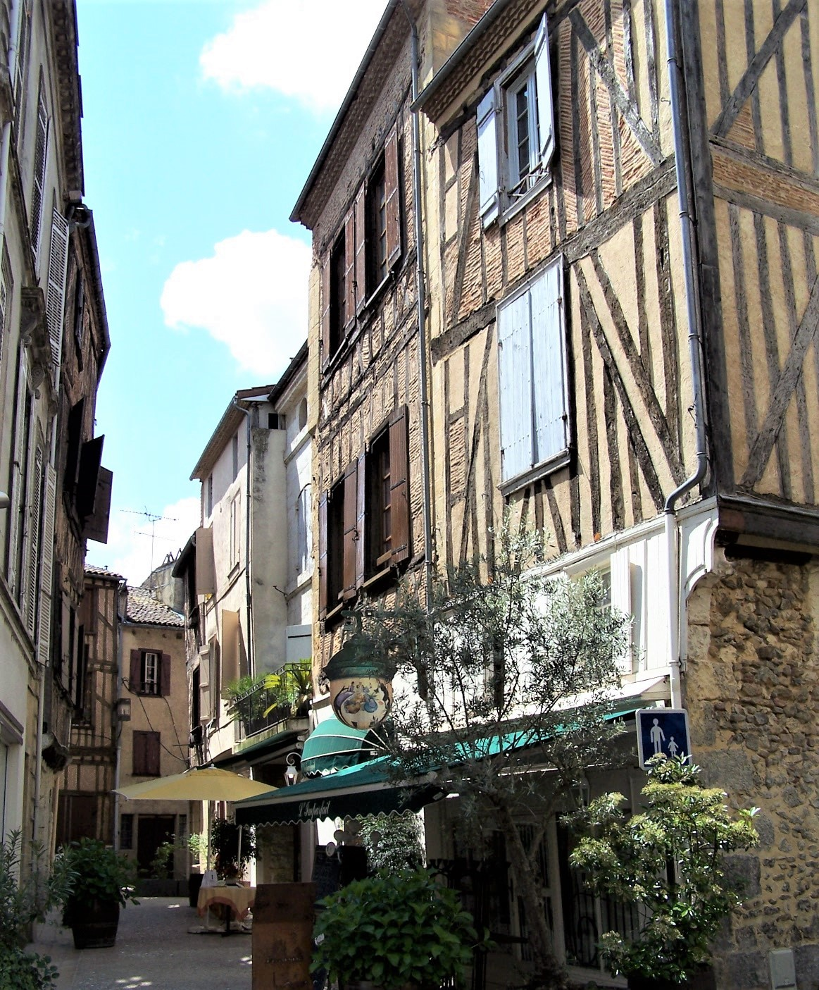 Beautiful Bergerac - great shopping, excellent dining!